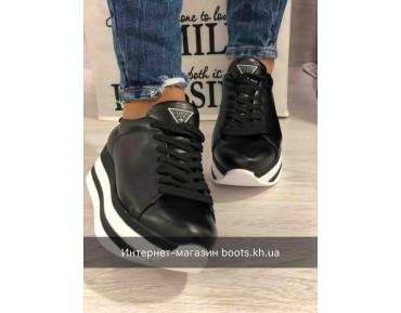 Женские кожаные кроссовки на платформе GUESS