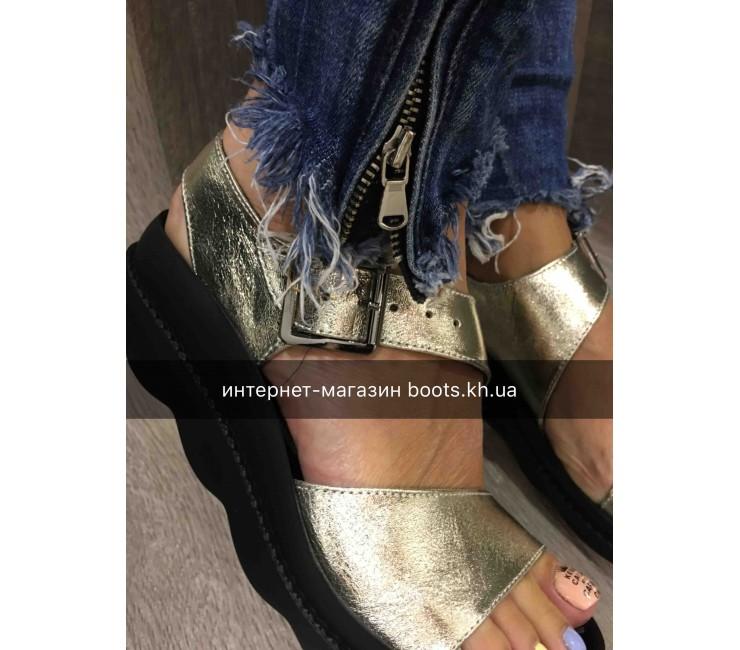 Женские кожаные босоножки Teona