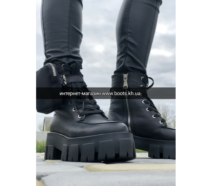 Женские демисезонные ботинки с карманом