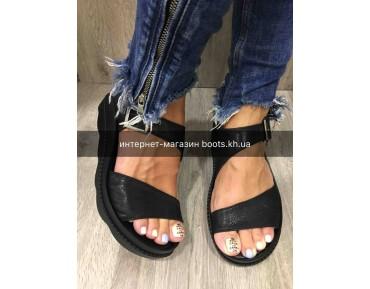Женские кожаные босоножки Teona black