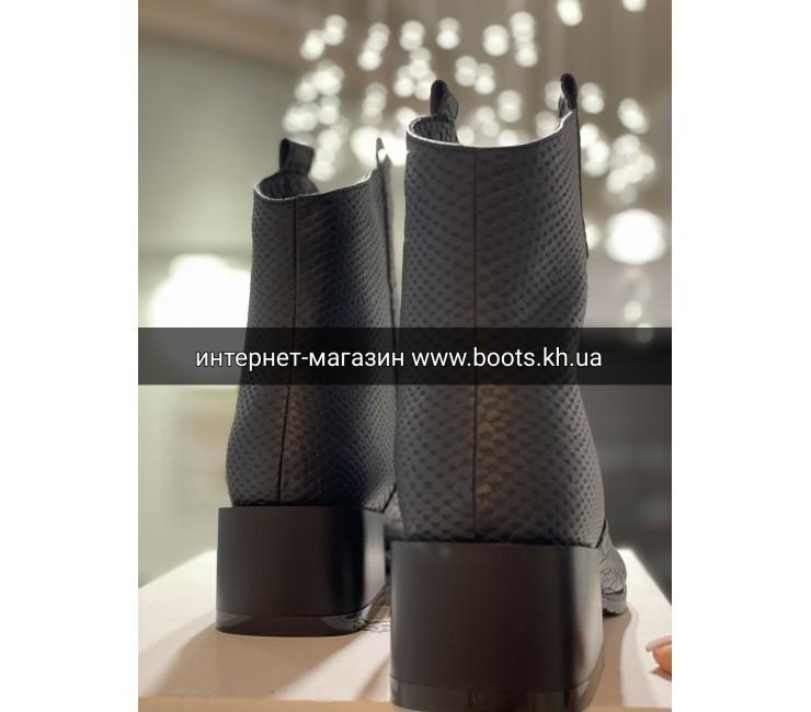 Женские кожаные демисезонные ботиночки Kozaki